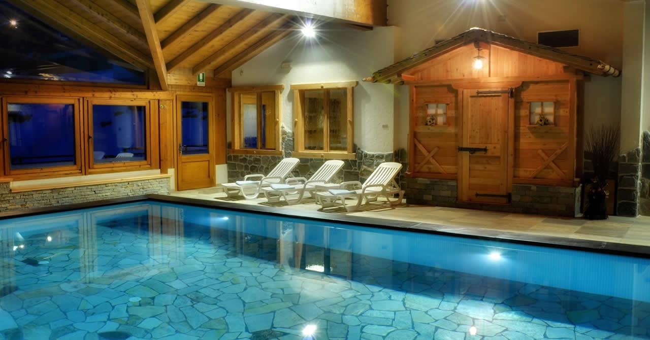 Hotel con piscina in val di rabbi nel trentino nel parco - Alberghi saturnia con piscina termale ...